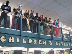 upo Hero Army Cosplay no Children's Library em Connecticut | Via Reprodução