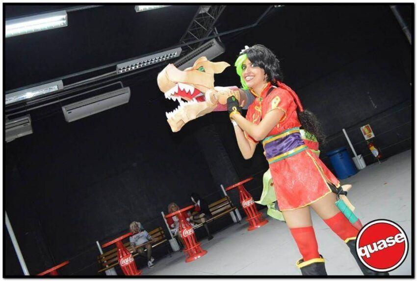 Jinx firecracker cosplay
