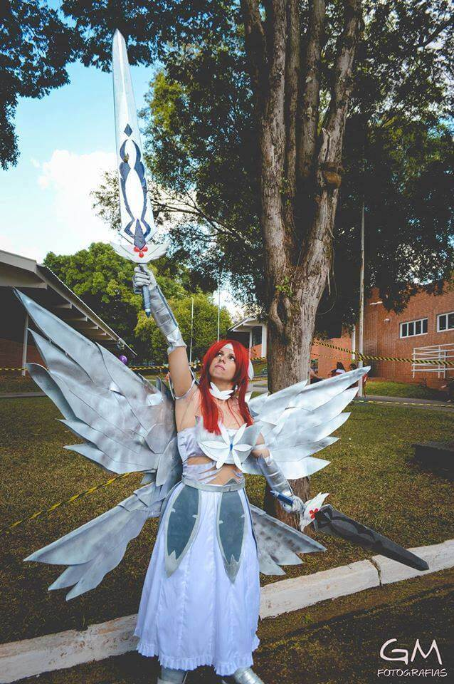 Cosplay do dia Nathalia Scarlet Erza Heart Kreuz
